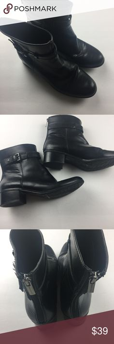 Bandolino womens ankle boot black low heel Sz 10 Very good condition little signs of wear. Please see all photos and ask questions prior to purchase.  Pet loving smoke free environment. Bandolino Shoes Ankle Boots & Booties