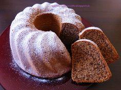 Raspberrybrunette: Orechová bábovka Jemná, mäkka, vláčna a voňavá z... Czech Recipes, Pound Cake, Doughnut, Sweet Recipes, Food And Drink, Bread, Cooking, Cakes, Coffee