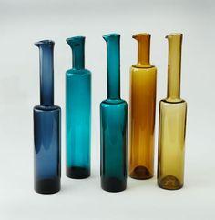 Nanny Still for Rihimaen Lasi Oy (Finland) Genie Bottle, Glass Bottle, Colored Vases, Art Of Glass, Mid Century Modern Art, Glass Design, Scandinavian Design, Lassi, Art Deco