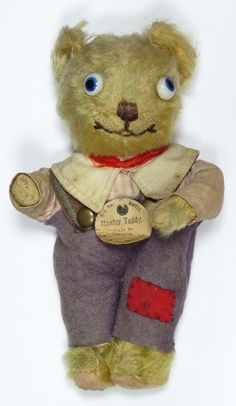 I LOVE this Chiltern Master Teddy, just one problem he is not mine!