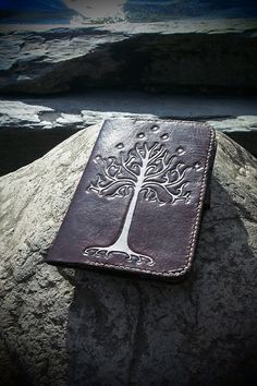 leather kindle case Tree of Gondor Lord of by PocillatorWorkshop