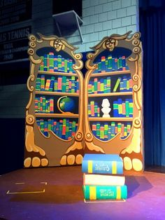 Beauty And The Beast Library Beauty And The Beast Diy, Beauty And The Beast Costume, Beauty Beast, The Enchantments, Trunk Or Treat, School Play, Kindergarten Art, Stage Set, Family Costumes