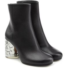 Maison Margiela Leather Ankle Boots (2.525 RON) ❤ liked on Polyvore featuring shoes, boots, ankle booties, black, black leather bootie, black leather boots, block heel ankle boots, leather booties and black bootie boots