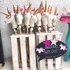 Perfect for a birthday party, end of school party, or a just because party, we have tons of unicorn party ideas to throw the ultimate unicorn party.  Unicorns are all the rage right now and for good reason. Fun colors, tasty treats, and of course, unicorns.  Horn headbands, all the rainbow treats, unicorn games, unicorn decor …