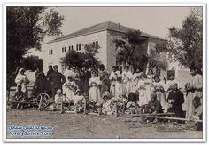 الغزالون العسكريون في مدرسة سان جورج، القدس، فلسطين ١٩١٧ Military spinners in School of Saint George, Jerusalem, Palestine 1917 Hilanderos militares en la Escuela de San Jorge, Jerusalén, Palestina 1917