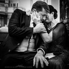 Lacrime di gioia per una figlia che si sposa. ph. Fabrizio Oliva