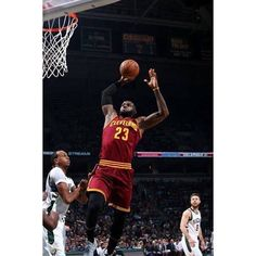 The Cavs lose in Milwaukee tonight 118-101. LeBron finished with 22 points 4 rebounds and 4 assists. Antetokounmpo led the way for the Bucks finishing 34-12-5-5. #dhtk #repre23nt #donthatetheking http://ift.tt/2ghVrAU