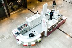 YooMoo frozen yoghurt bar designed by Sheridan Kiosk Design, Cafe Design, Store Design, Booth Design, Coffee Shop For Sale, Juice Bar Design, Mall Kiosk, Food Kiosk, Retail Interior Design