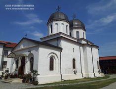 Manastirea Comana Romania, Taj Mahal, Mansions, House Styles, Building, Travel, Home, Decor, Viajes