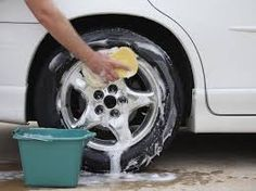 Car Cleaning Mistakes - How to Clean Your Car Diy Car Wash Soap, At Home Cleanse, Diy Car Cleaning, Spring Cleaning, Car Wash Mitt, Car Wash Business, Car Washer, Car Fix, Dawn Dish Soap