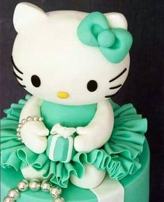 """Hello Kitty"" Glamor Cake"