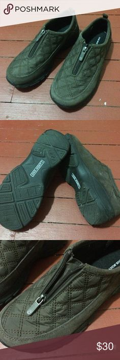 """Lands End Womens Size 7 Zippered Mocs Worn a few times. This size runs big, I usually wear size 7 in Nike but this has some room in back of the foot so I think someone that is size 7.5 can fit better. Says """"7B"""" on side for size. Lands' End Shoes"""