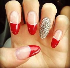 Pretty bling nails