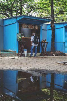 The tiny Expressa Mente coffee shack in Botafogo, Rio de Janeiro | heneedsfood.com