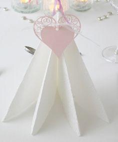 Bordkort Hjertetag Rosa 10stk   Pynt Til Fest. Tips, inspirasjon og gode ideer til din fest. Place Cards, Napkins, Place Card Holders, Rose, Pink, Towels, Dinner Napkins, Roses
