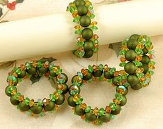Beaded Napkin Rings with Acrylic Beads and Crystals In Two Colors - Set of Personalized Beaded Napkin Rings, Choose Your Color Beaded Napkin Rings, Diy And Crafts, Arts And Crafts, Diffuser Jewelry, Beaded Crafts, Deco Table, Sewing Accessories, Christmas Items, Acrylic Beads