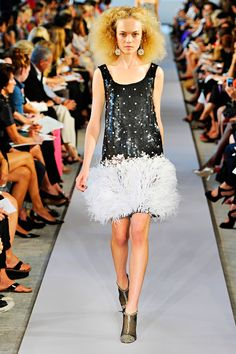 Oscar de la Renta Spring 2012 RTW - Review - Fashion Week - Runway, Fashion Shows and Collections - Vogue