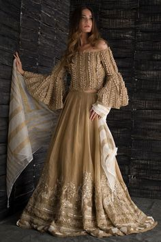 Designer Exclusive Collection of Designer Dresses, Designer Gowns, Bridal Dresses. Pakistani Wedding Outfits, Pakistani Dresses, Indian Dresses, Indian Outfits, Lehenga Wedding, Indian Fashion, Boho Fashion, Fashion Dresses, Formal Casual