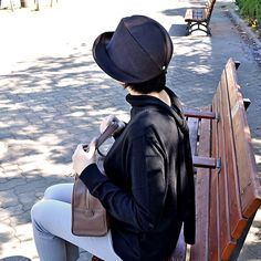 #rabbitfur #felt #foldable #hat by #nickimarquardt and #leather #bag by #stevemono