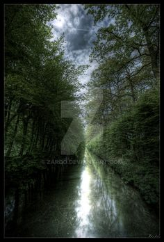 Photography taken in Belgium / Beloeil with the canon eos 30D + canon 10-22 EF-S + tripod manfrotto 190 XPROB. Copyright © Behrouz Riahi, allias Zardo. All rights reserved. My images may not b...