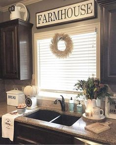 31 Rustic Farmhouse Kitchen for 2019 & 52 Affordable Farmhouse Kitchen Cabinet Ideas on A Budget Diy Home Decor Rustic, Country Farmhouse Decor, Easy Home Decor, Handmade Home Decor, Home Decor Kitchen, Cheap Home Decor, French Farmhouse, Decorating Kitchen, Design Kitchen