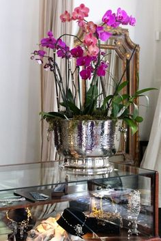 """La Boutique"" detail... Flowers by www.phenology.com"