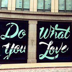 Do what you love.  #streetart #street #streetphotography #igerslondon #instalondon #urban #urbanart #urbanwalls #wall #wallporn #graffitiigers #stencilart #art #graffiti #instagraffiti #london #artwork #mural #stickerart #pasteup #instagraff #instagrafite #streetarteverywhere #vsco #shoreditch