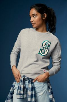 Shop men's MLB® apparel at Levi's® including western shirts, sweatshirts and trucker jackets. Browse our collection of baseball clothes at Levi's®. Crew Neck Sweatshirt, Graphic Sweatshirt, Plus Size Fashionista, Western Shirts, Shirt Jacket, Jeans, Dress To Impress, Man Shop, Sweatshirts