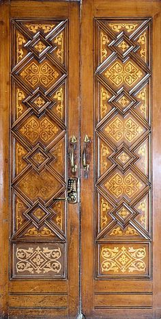 Barcelona - Ample 035 s Door Entryway, Entrance Doors, Doorway, Knobs And Knockers, Door Knobs, Door Handles, Cool Doors, Unique Doors, Doors Galore