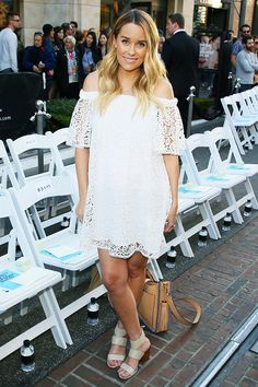 Lauren Conrad shows us we can expect the best from her when it comes to maternity style for the mom-to-be.