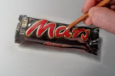 Drawing a Mars chocolate bar, Time Lapse by Vamos