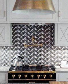 B&W graphic pattern tile statement Home Decor Trend