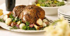 Recette de Gigot d'agneau aux pommes de terre et thym. Facile et rapide à réaliser, goûteuse et diététique. Ingrédients, préparation et recettes associées.