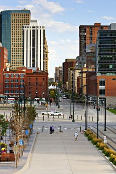 16th Street in Denver. Great shopping, entertainment and events