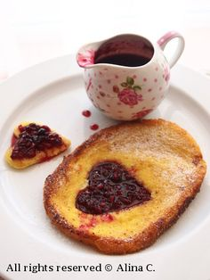 http://sotiefericita.blogspot.ro/2012/01/valentines-day-french-toast.html