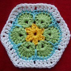 Afrikaanse bloem haken - crochet African flower (nederlands patroon, with link to English pattern). (Als basis voor sommige prachtige knuffels van Heidi Bears)