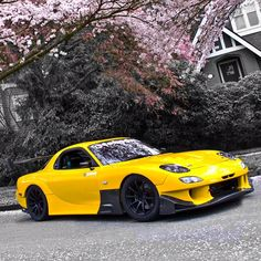 The cool Mazda RX-7