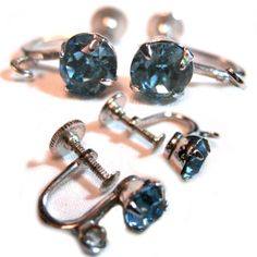 VINTAGE Womans BLUE Silmulated TOPAZ Stone Silver TOne SCREW Stud EARRINGS Set $65