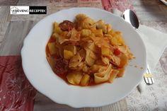 Slambuc kolbásszal, krumplival, lebbencstésztával Pork, Ethnic Recipes, Sweet, Kale Stir Fry, Candy, Pork Chops
