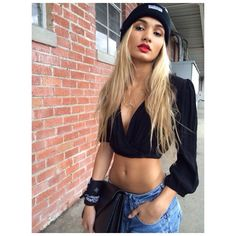 Boyfriend Jeans. Black Midriff. Beanie. Urban Outfit. Hip Hop Fashion. Streetwear. Swag. Dope. Pia Mia Style