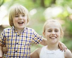 Family Photographer London, brings you photos shoots at Golders Hill Park