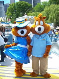 Meet our mascots Vicky & Victor at Victorian Gardens
