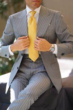 Beige Suits For Men, Mens Suits, Suit Fashion, Fashion Looks, Mens Fashion, Fashion Outfits, Stylish Men, Men Casual, Classic Suit