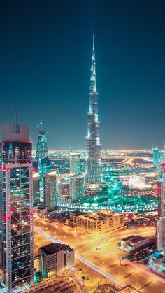 Dubai Airport Transfer with Top tour places visit in 1 day tavel plain. See what you can see in a day in Dubai In Dubai, Dubai City, Dubai Airport, Dubai Uae, City Skyline Night, Night City, Night Night, Dubai Building, Beautiful Buildings