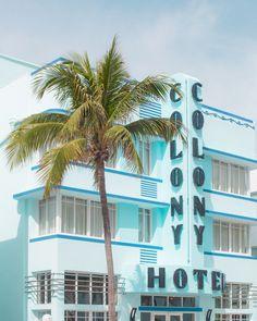 Miami Florida, Miami Beach, Bauhaus Art, How To Look Rich, Pastel, Simple Lines, Retro, Lightroom, Entrance