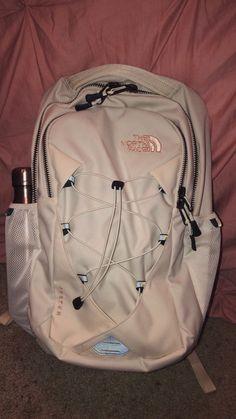 Cute Backpacks For Highschool, School Backpacks, Mochila Galaxy, North Face Backpack School, Mochila Victoria Secret, High School Supplies, Cute Preppy Outfits, Aesthetic Bags, School Suplies