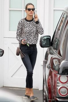 Alessandra Ambrosio wearing Versace 4270 Sunglasses, Twenty Tees Leopard Sweatshirt, Mother the Cropped Looker Skinny Jeans in Coffee Tea or Me and Gucci Soho Leather Mini Chain Bag