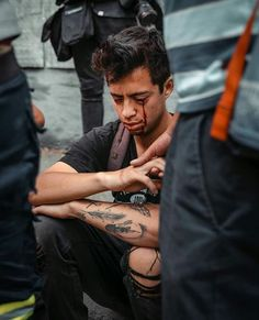 Horrific image showing a 21 year old student blinded by having his eyes blown out with pellets from a Chilean police officer. 21 Years Old, Year Old, God Forgives, Powerful Images, Secret Obsession, Police Officer, His Eyes, Best Funny Pictures, Age