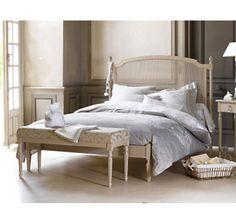 chambre style louis xvi. Black Bedroom Furniture Sets. Home Design Ideas