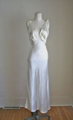 Nightgown Silk Lingerie | vintage 1930s lingerie - LIQUID ivory silk satin night gown / M